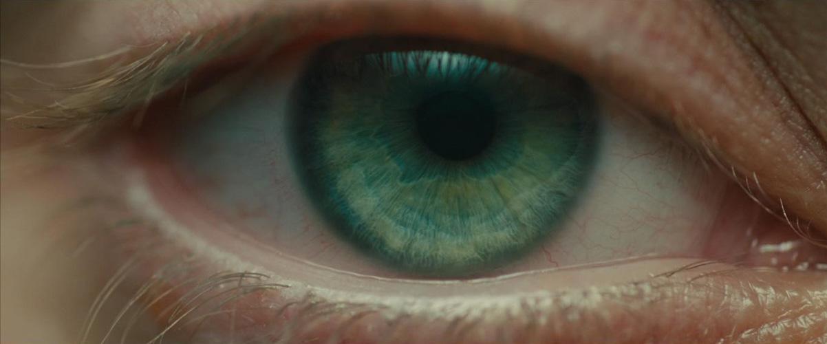 Blade Runner 2049 olho abertura começo